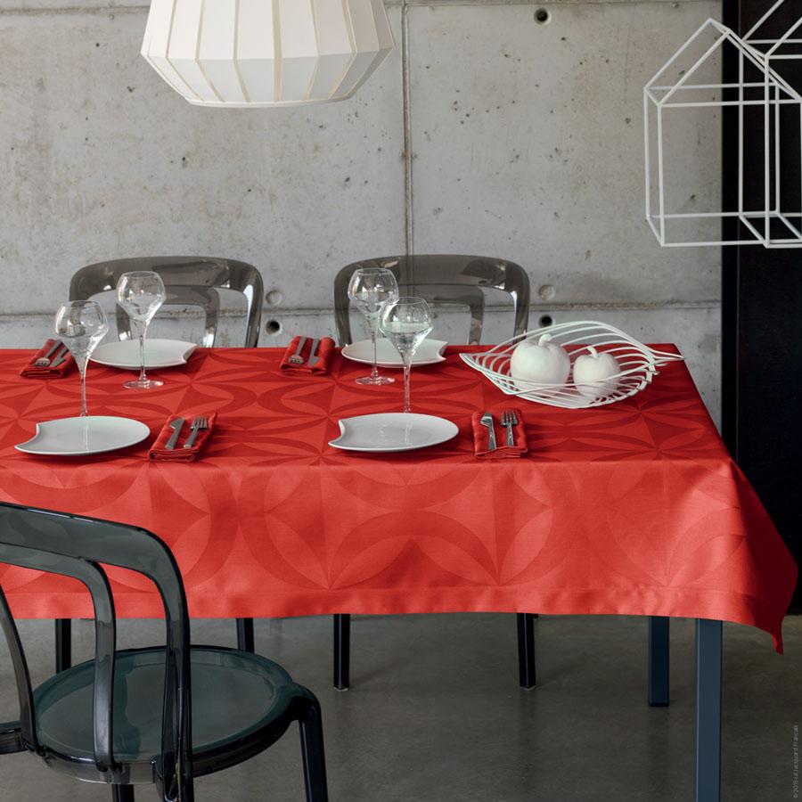 Ellipse Table Linens